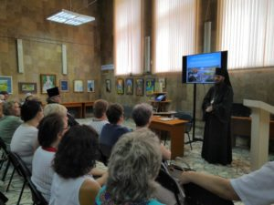 2 июля в Кузнецкой городской библиотеке им. А.Н. Радищева состоялась презентация книги епископа Кузнецкого и Никольского Нестора «Православие в Кузнецке».